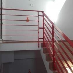 balustrada schodowa czerwona