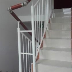 balustrady schodowe z porecza