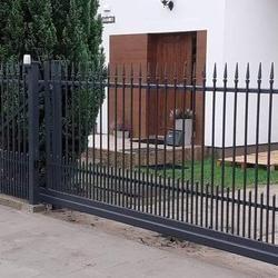 metalowa brama wjazdowa na posesję