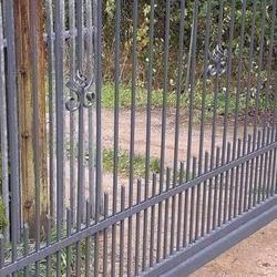 metalowa brama wjazdowa szara